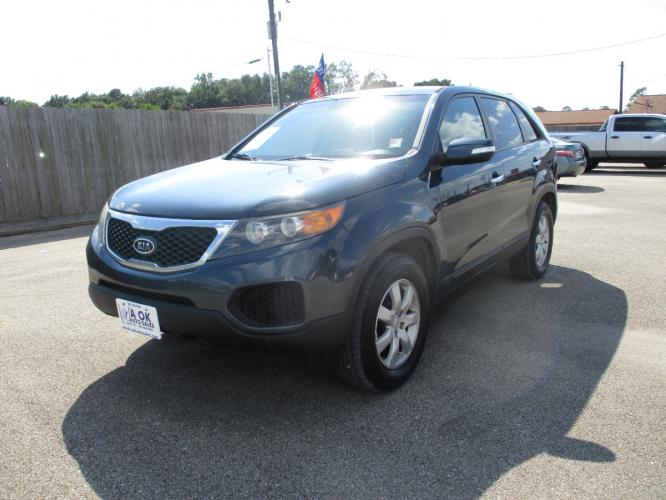 2012 Blue /Gray Cloth Kia Sorento LX 2WD (5XYKT3A16CG) with an 2.4L L4 DOHC 16V engine, 6-Speed Automatic transmission, located at 23980 F.M 1314, Porter, TX, 77365, (281) 354-3355, 30.104134, -95.249527 - Photo #1