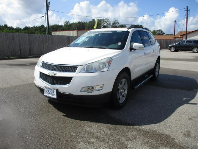 2012 Chevrolet Traverse 2LT FWD (1GNKRJED2CJ) with an 3.6L V6 DOHC 24V engine, 6-Speed Automatic transmission, located at 23980 F.M 1314, Porter, TX, 77365, (281) 354-3355, 30.104134, -95.249527 - Photo #0
