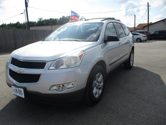 2012 Chevrolet Traverse LS FWD w/PDC (1GNKRFED1CJ) with an 3.6L V6 DOHC 24V engine, 6-Speed Automatic transmission, located at 23980 F.M 1314, Porter, TX, 77365, (281) 354-3355, 30.104134, -95.249527 - Photo #0